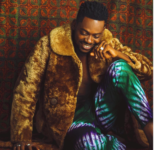 adekunle-gold-is-king-in-ankara-themed-photos