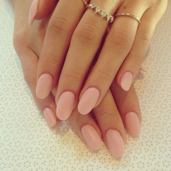 well-manicured-nails