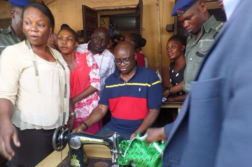 Fayose-Turns-Tailor2